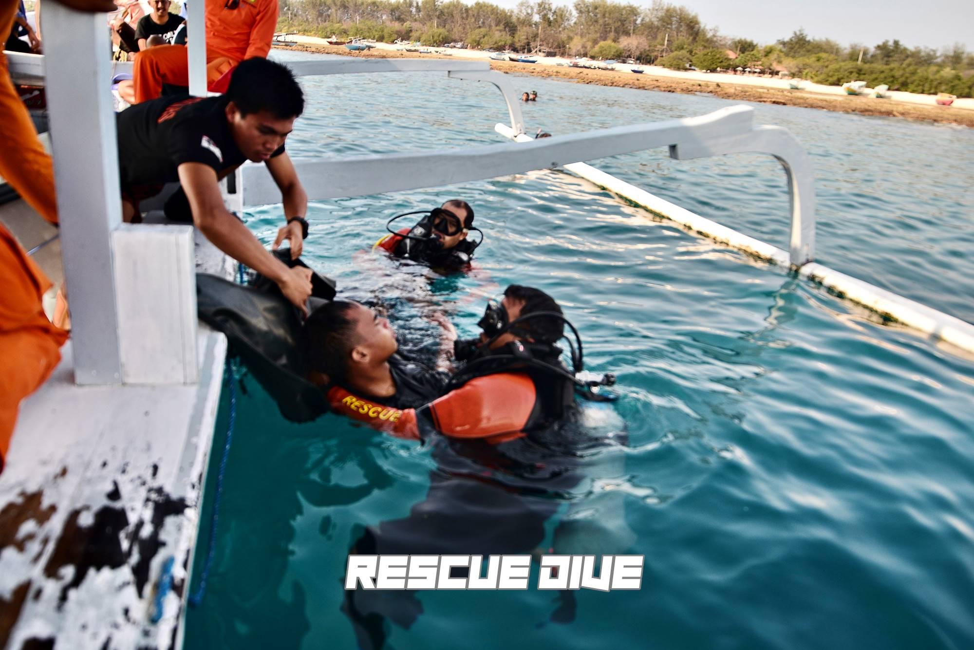 rescue diveBasarnasSIN_7521